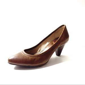Frye Regina leather pumps  stacked wooden heel 7.5